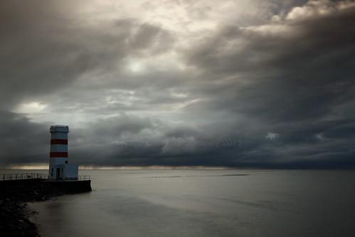 sunset lighthouse iceland garður gardur therebeastormabrewin reykjanespeninsular