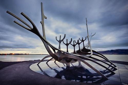 sea sun statue canon circle iceland reykjavik arctic midnight voyager 1022