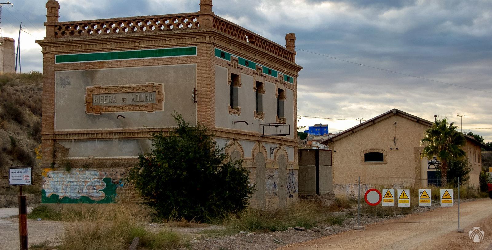 Estación de la Ribera de Molina cuando estaban acondicionando la vía verde