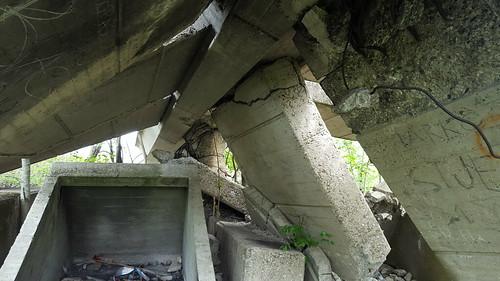 knin spomenik monument croatia dalmatia partisan abandoned destroyed ruins