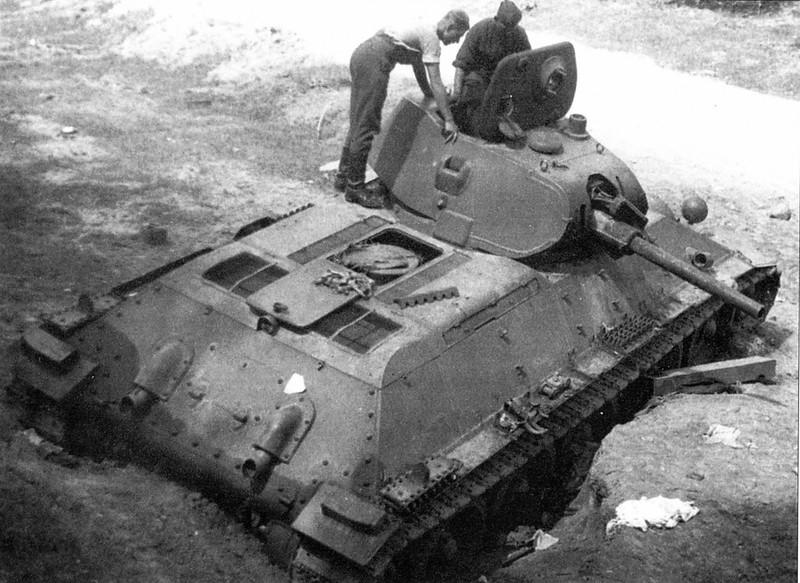 Tank T-34 (96)
