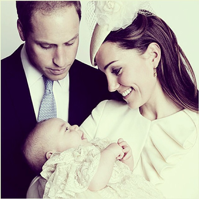 This looks like a simple photo of Kate Middleton, William Fawn over little George, but somehow it gives me really happy feeling to see the genuine smiles on their faces #Smiles #Kids