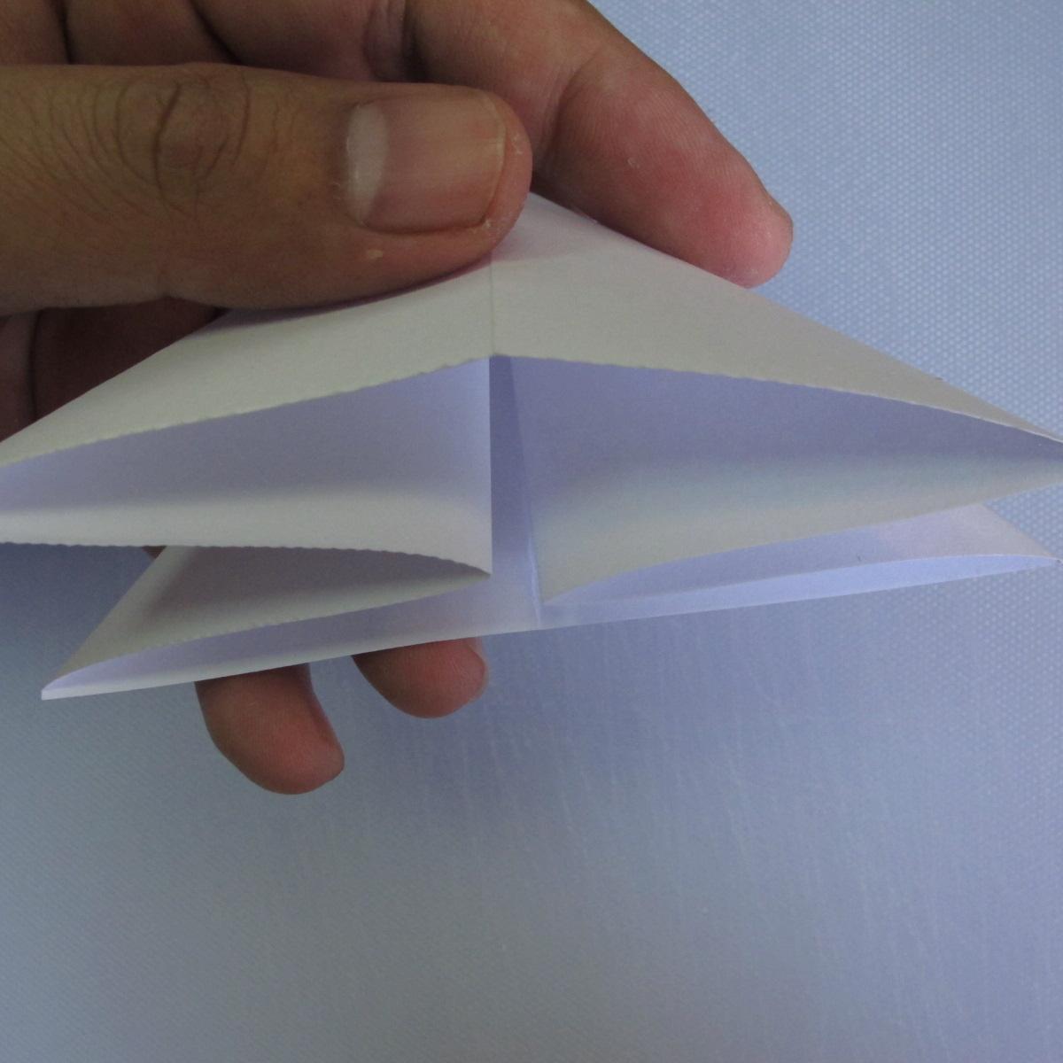 วิธีพับกระดาษเป็นรูปดอกลิลลี่ 002