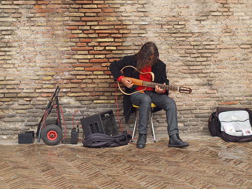 Rome - the lone guitarist