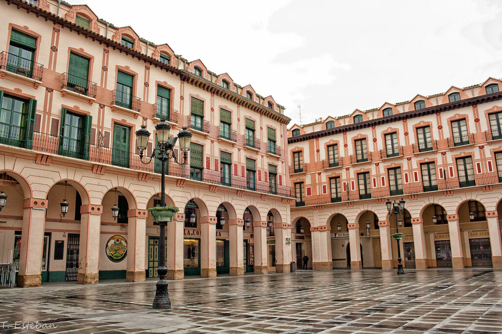 Plaza Luis López Allué (Huesca) | www.miniguias.com/viajes/v… | Flickr