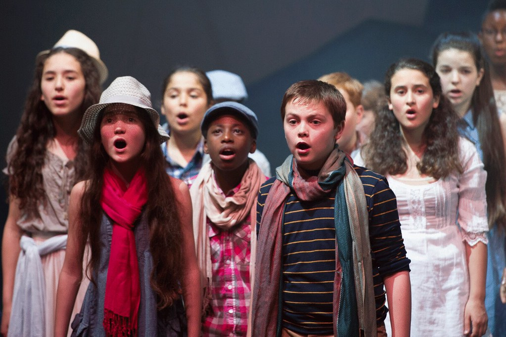 The Youth Opera Company perform Gone Fishing © ROH/Sim Canetty-Clarke