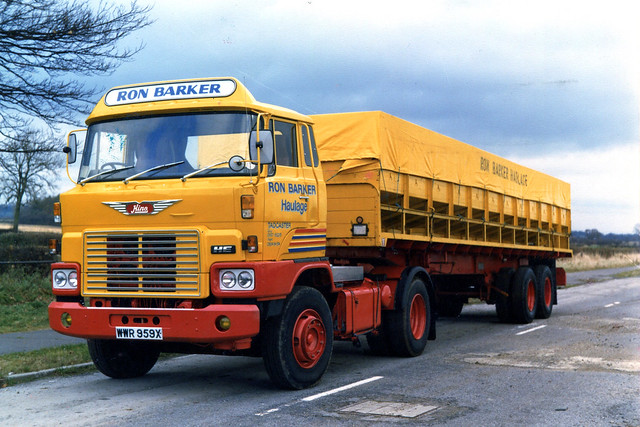 Hino HE Ron Barker Haulage Tadcaster WWR 959X