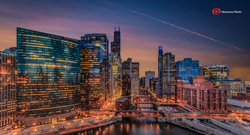 longexposure sunset chicago reflection skyline canon river lowlight downtown skyscrapers dusk charlesriver bluehour gettyimages downtownskyline chicagoskyline illionis canon60d availableongettyimages swapanjha cswapanjha