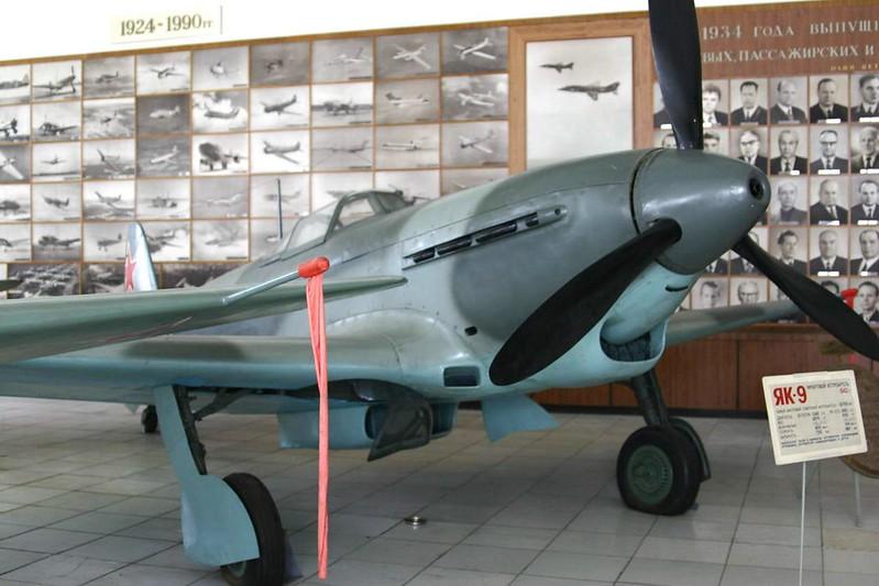 Yak-9 2