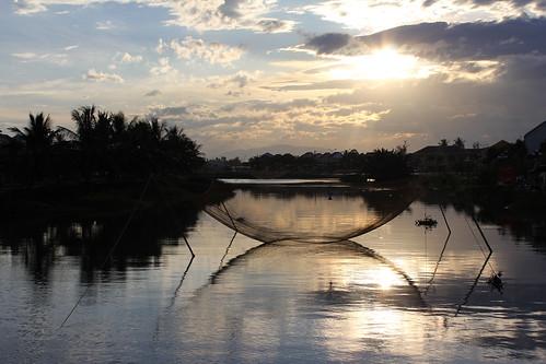 sunset reflection vietnam hoian fishingnet