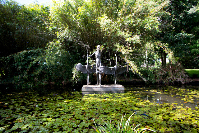 City Botanic Gardens Jemmy Morrill and the Brolgas sculpture