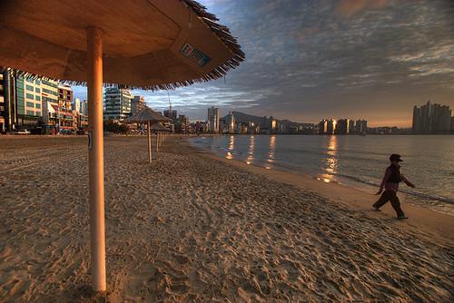 beach sunrise korea busan 대한민국 부산 ajumma