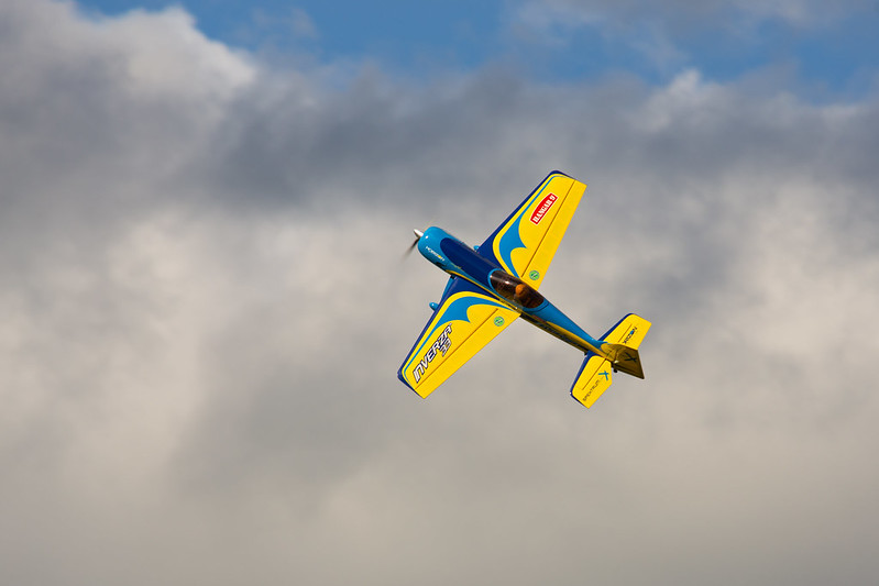 Phil flying my Inverza 33.