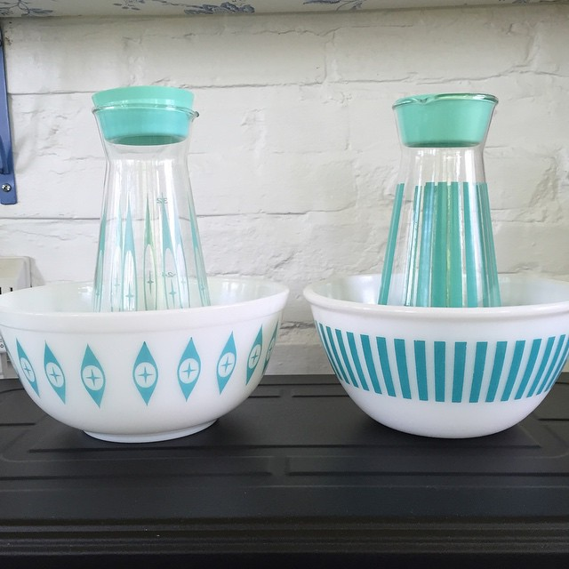 The striped carafe is a 'new' for me. <3