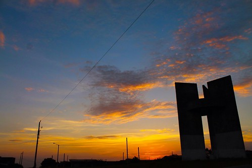 trip sunset bus monument colorful wideangle nicaragua photooftheday elcrucero bestoftheday