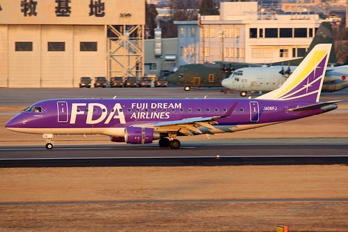 plane canon airplane airport aircraft 1d nagoya komaki 170 175 fda embraer170 embraer jh planespotting regionaljet embraer175 100400 nkm rjna fujidreamairlines fujidream