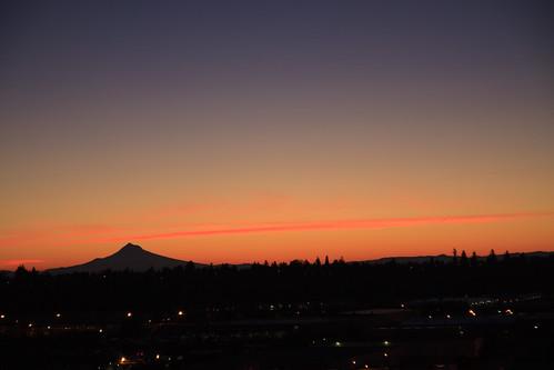 oregon sunrise portland mthood pdx portlandor portlandoregon pinkclouds