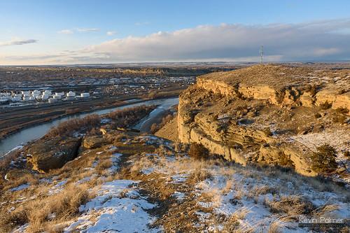 billings montana fourdancesrecreationarea blm winter february evening sunset sunny sunshine clouds blue sky cliffs yellowstoneriver water flowing nikond750 tamron2470mmf28 chemicalplant snow windy