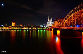 Buntes Köln bei Nacht | by S.Hecht.