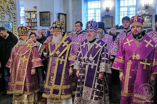 Литургия в Покровском соборе 175