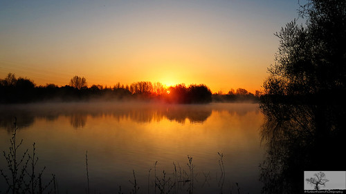sun sunrise bedford dawn bedfordshire felton sunup firstlight dovecote lumen willington robertfelton bedfordrivervalleypark