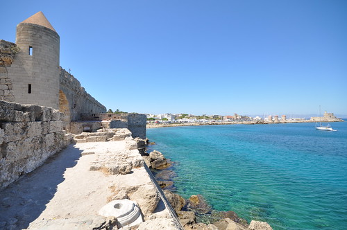 Remains of Naillac's Tower and Mediterranean sea   by Jorge Lascar