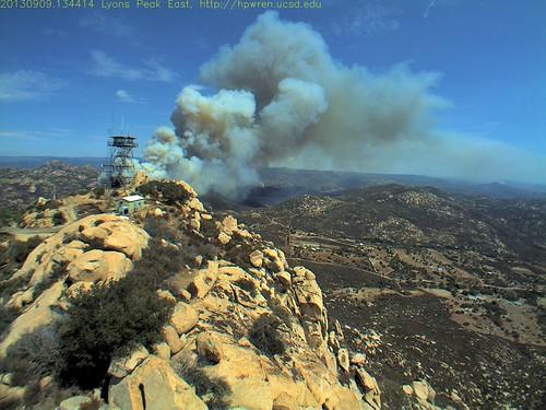 fire smoke socal wildfire wildland sandiegocountycalifornia southerncaliforniawildfires hpwrenlyonspeak lyonspeakeastview sdsuedu