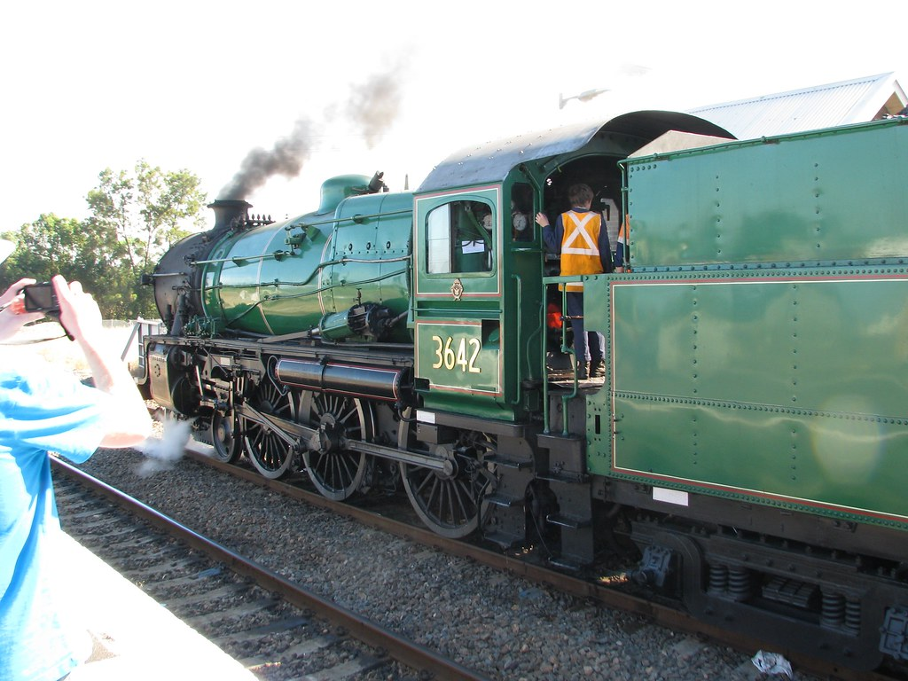 3642 Awaits To Depart for Dungog by Samuel Wittwer