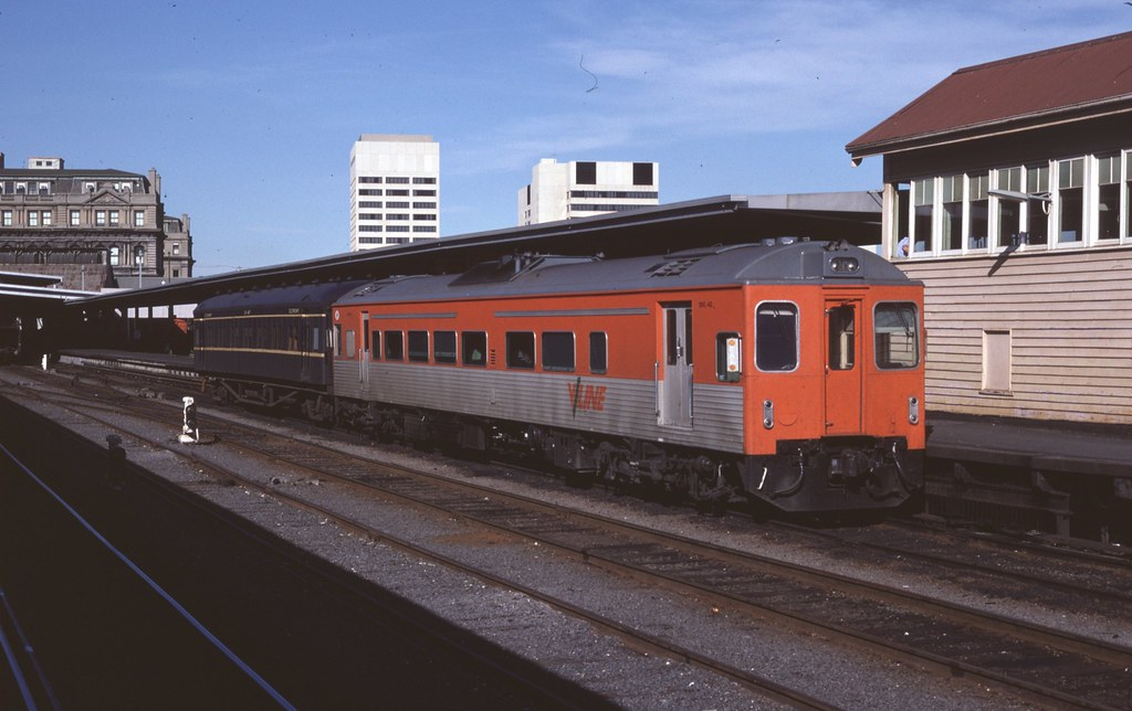 DRC42 at Spencer Street Station by Alan Greenhill