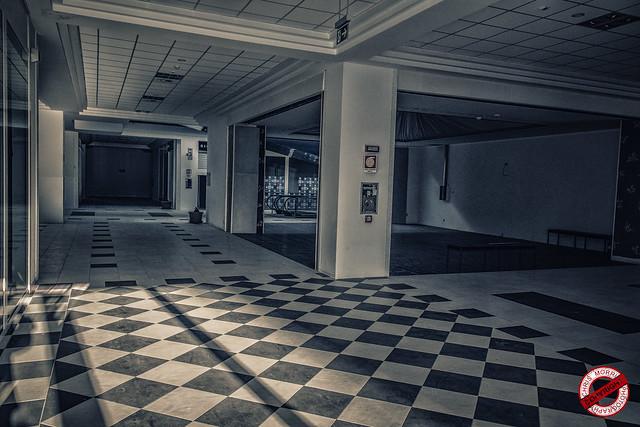 |URBEX| Ex Centro Commerciale L.T.