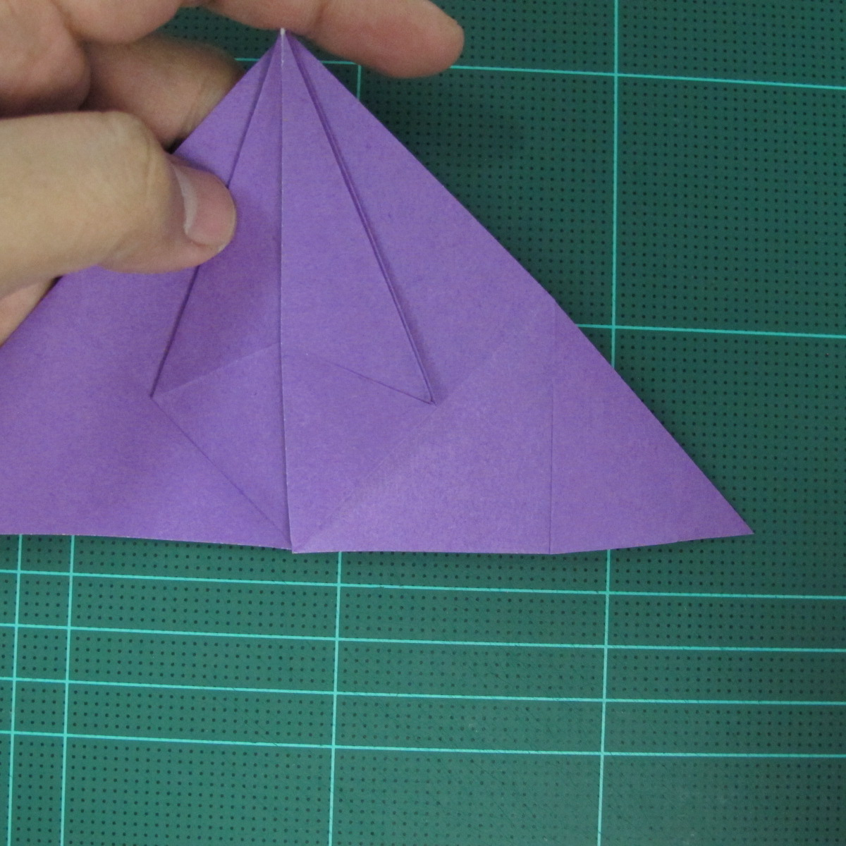 การพับกระดาษเป็นฐานนกอินทรี (Origami Eagle) 015