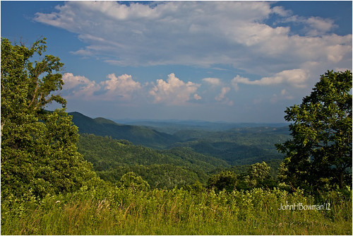 june parks northcarolina nationalparks blueridgeparkway 2012 ncmountains warmsunlight greatskies canon24105l grandviewoverlook wautaugacounty june2012