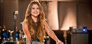 "Watch Selena Gomez Bring New Album ""Stars Dance"" to Walmart Soundcheck Concert! 