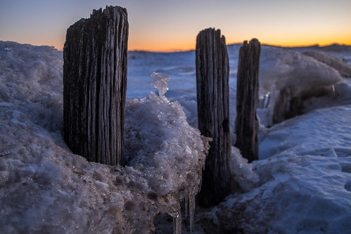 morning winter lighthouse snow chicago cold ice beach water sunrise pier frozen illinois fuji pilings evanston x100s