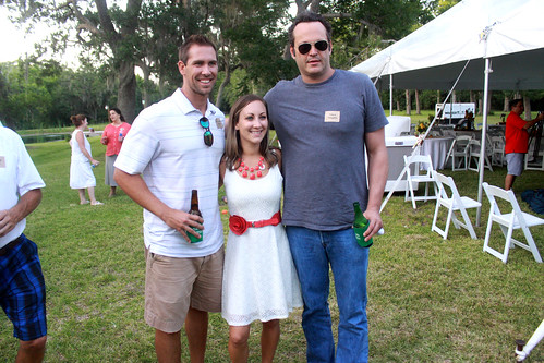 Vince Vaughn with supporters   by Gage Skidmore
