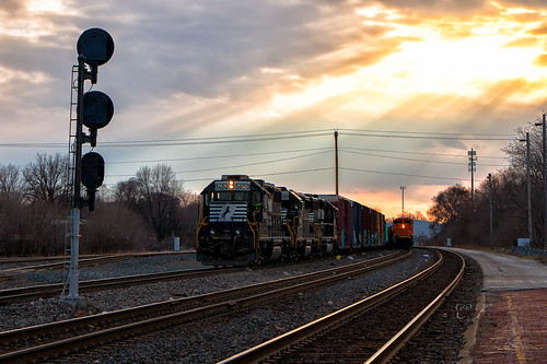 emd locomotive train trains ns norfolk southern railroad signals sunset sunrise light sky color winter sd70ace gp382 bnsf cp 435 cantilever elkhary south bend indiana chicago line