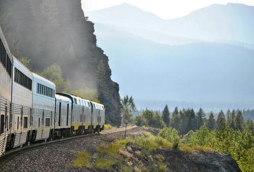travel montana amtrak glaciernationalpark locomotives empirebuilder