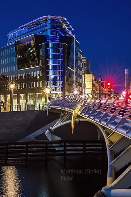 Berlin City , moderne Architektur zur Blauen Stunde