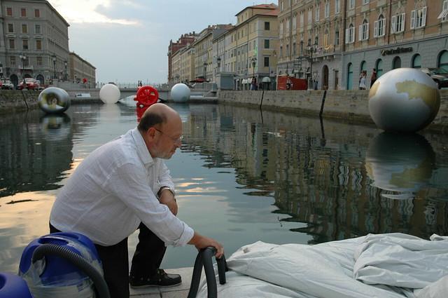2006 - Specchio d'acqua 2, a cura di Maria Campitelli, Canale di Ponte Rosso, Trieste