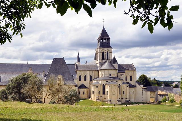 1/7 Abbaye Royale Fontevraud Abbey UNESCO site FRANCE 2009 Read info Français English info