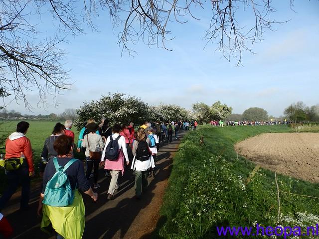 12-04-2014   22e Rodekruis  - Bloesemtocht    30 Km     (24)