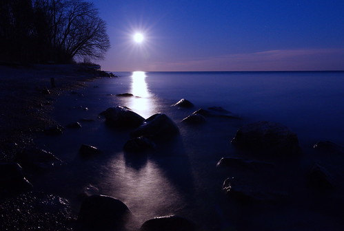 lake ontario love march waterfront sweet dream fantasy moonlight ajax ontariobeauty thephotographyblog canadacharm