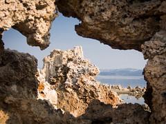 Mono Lake-tufa arch