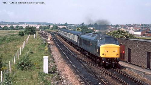 train diesel peak railway britishrail southyorkshire passengertrain class45 mexborough 45111