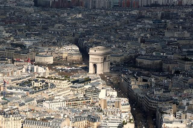 The Light and Dark of Paris