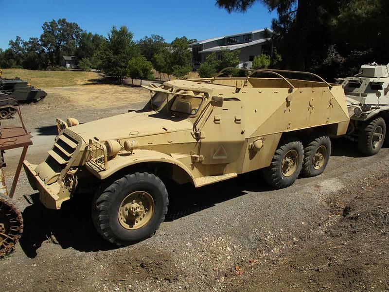 BTR-152V1 (1)