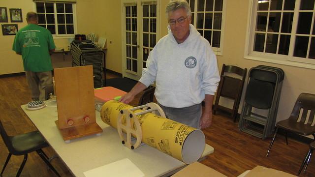 IMG_3748 Tom Whittemore and his custom Dobsonian tube holder & bearing