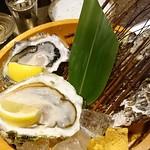 かき食えば お酒おいしい かき違い #新橋 #牡蠣うまいいいいいい #しあわせだあああああ