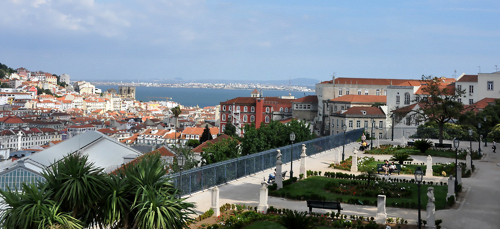 Lisboa - Barrio Alto Miradouro de Sao Pedro de Alcantara
