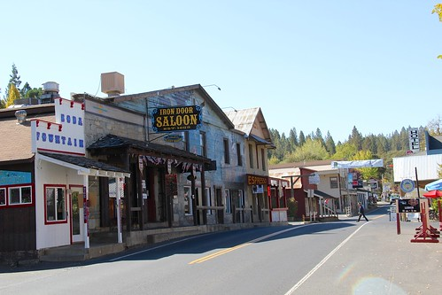Groveland on California Route 120